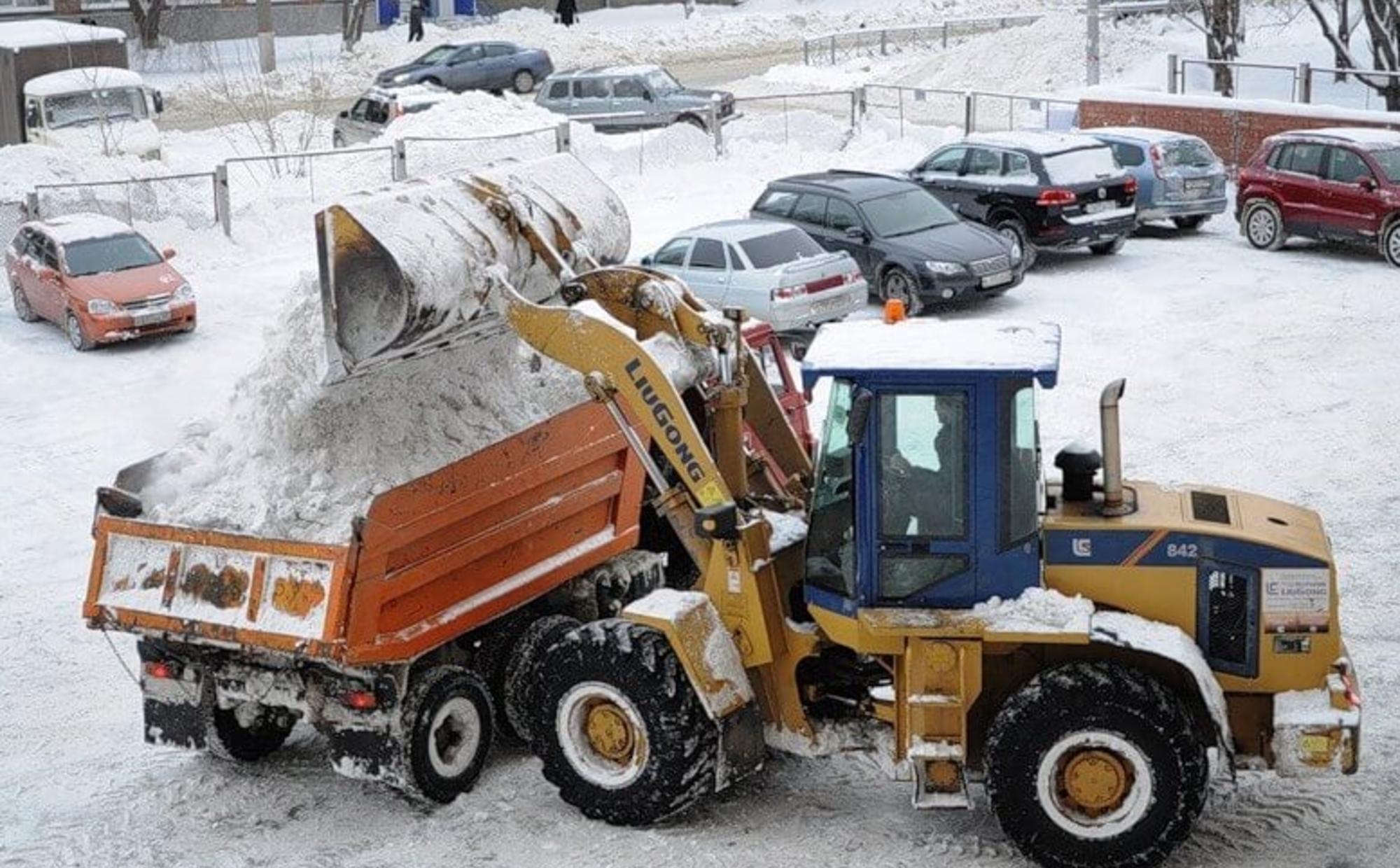 Уборка снега в Минске от компании БауАренда