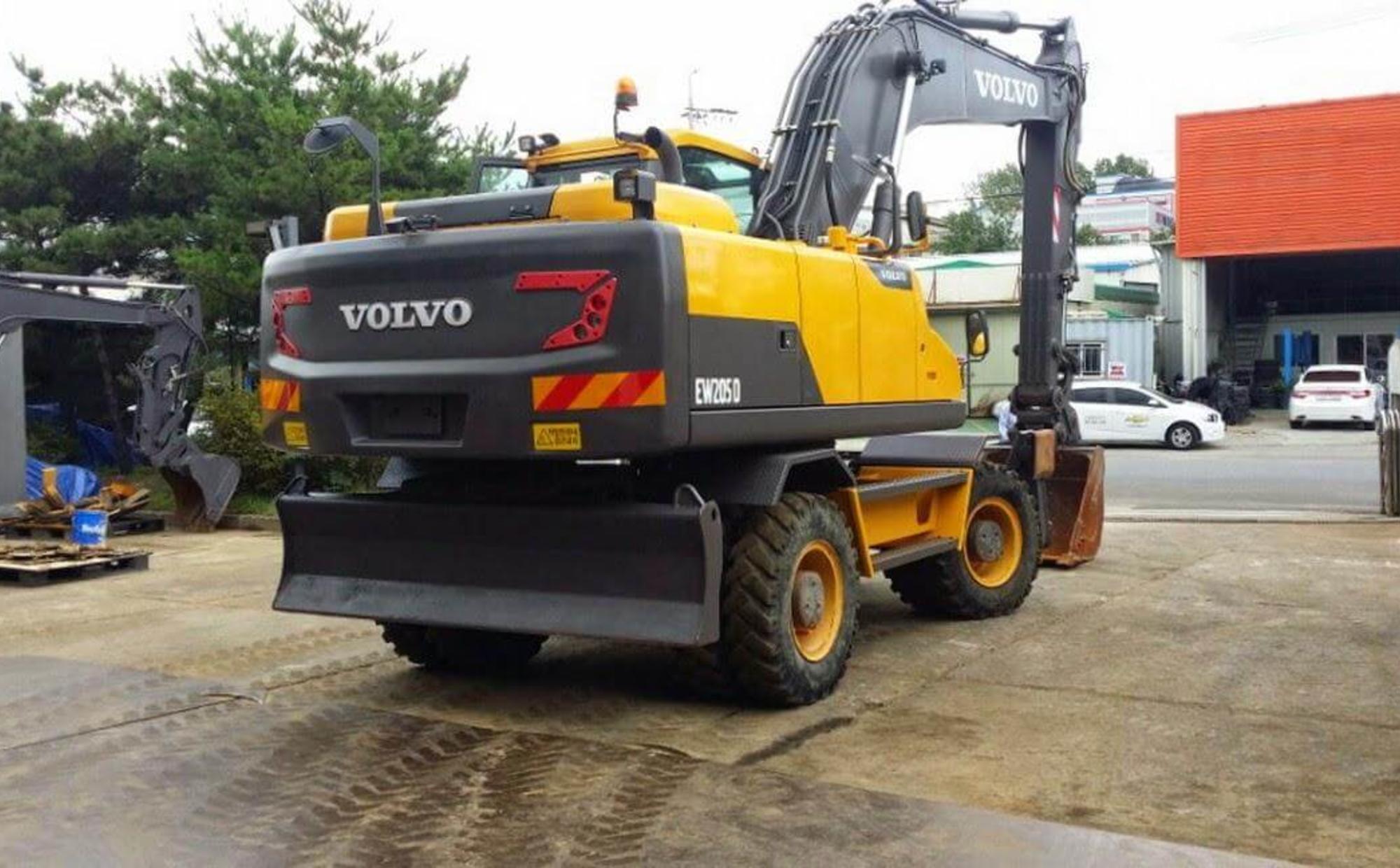 Аренда Volvo EW205 D